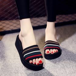 拖鞋女夏时尚外穿韩版百搭一字拖厚底坡跟防滑沙滩鞋海边度假凉拖