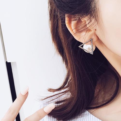 耳环虽美也不要乱戴,选耳环得看脸型