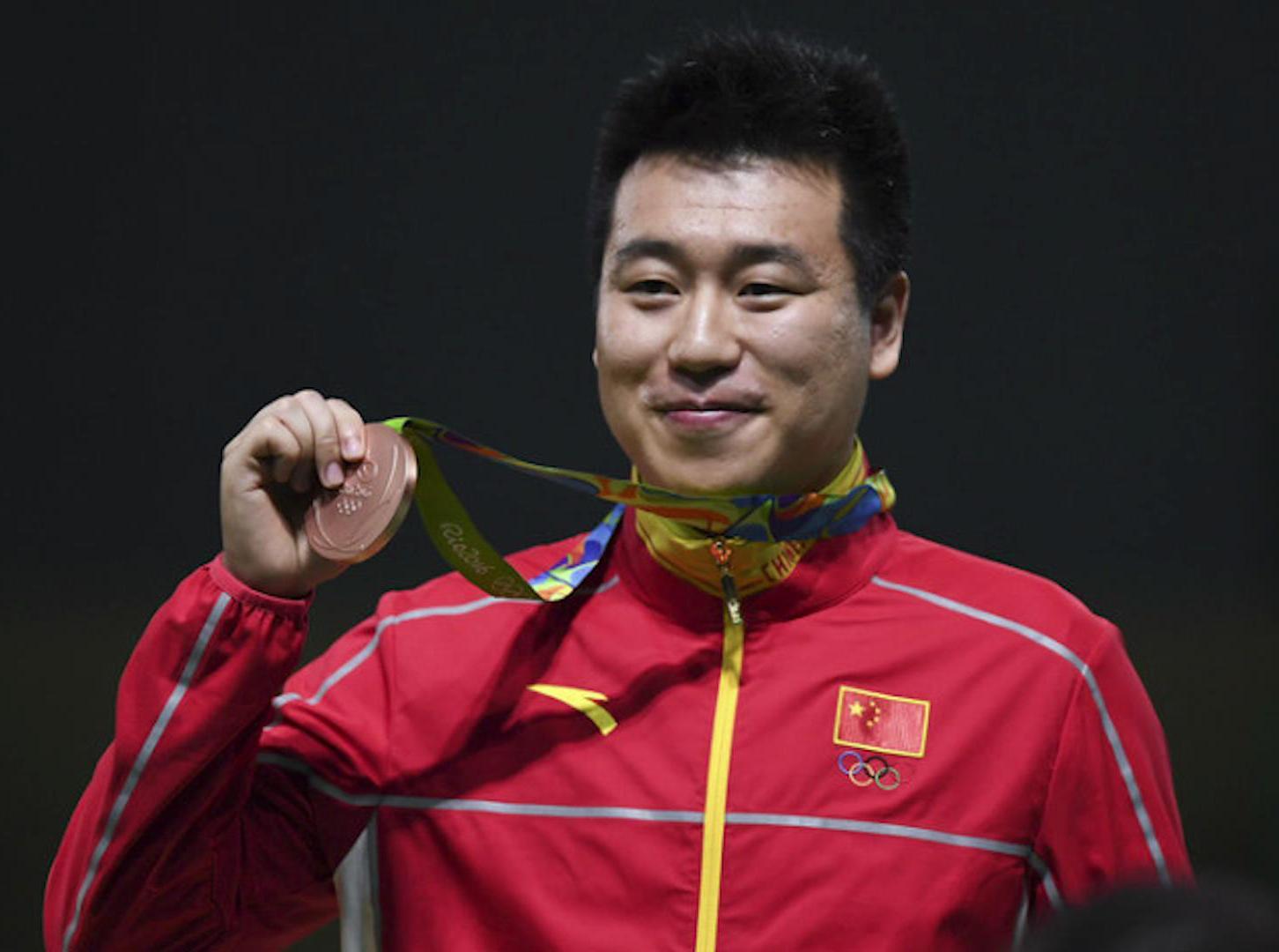 赛况:越南老将逆转夺金 庞伟摘铜
