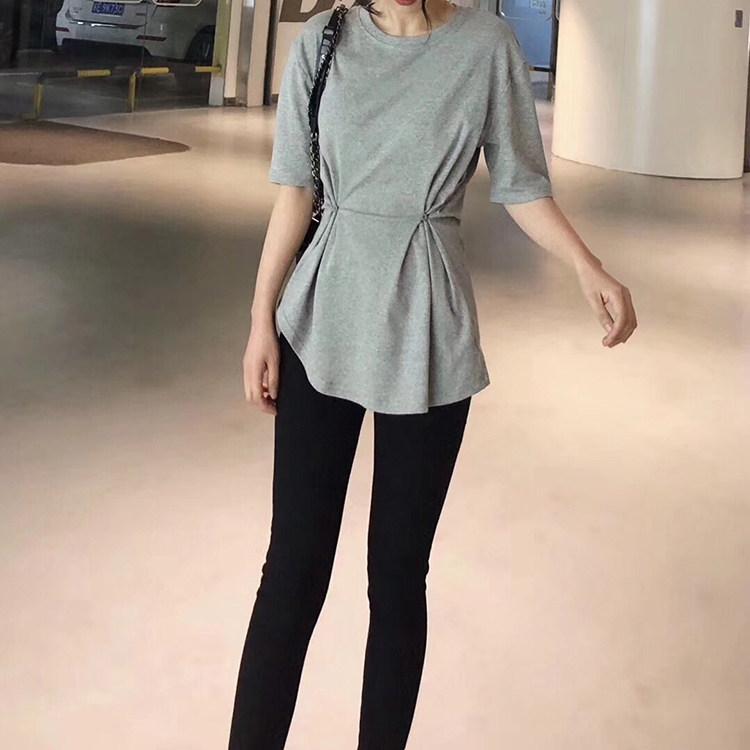 新款2020年莫代尔收腰T恤女夏 黑色束腰显瘦短袖上衣不规则中长