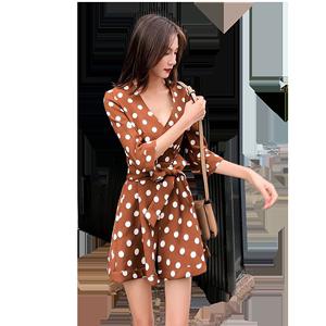 连衣裙女2019春夏新款法国小众仙女收腰显瘦波点V领连体短裤裙子
