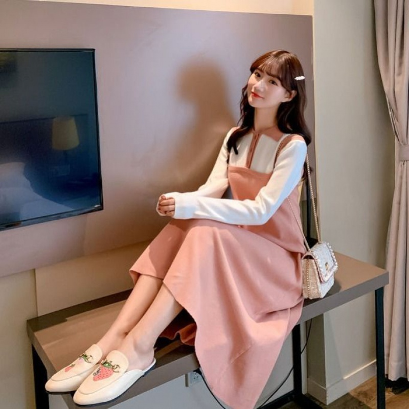2019新款毛衣女学生韩版宽松冬针织连衣裙中长款过膝毛衣裙假两件