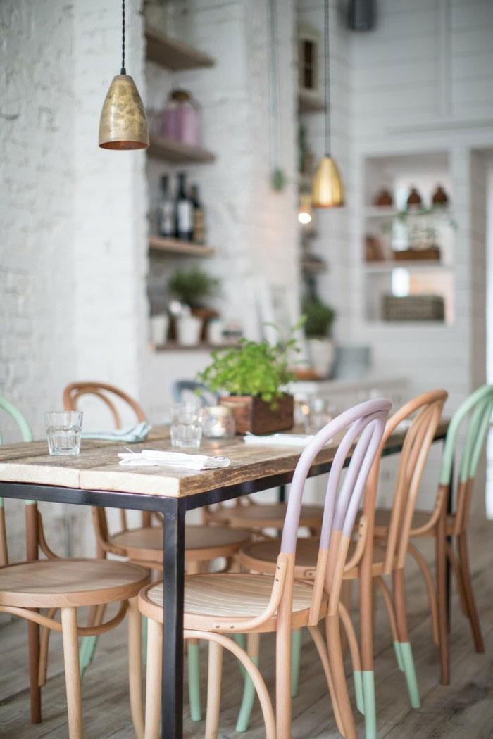 用榆木材质作为餐桌的台面,可以说是很多喜欢复古风格|餐厅