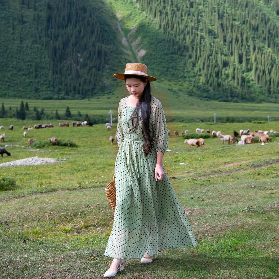 理想三旬旅行女装春装2020款春季绿色小清新蕾丝裙仙气长款连衣裙