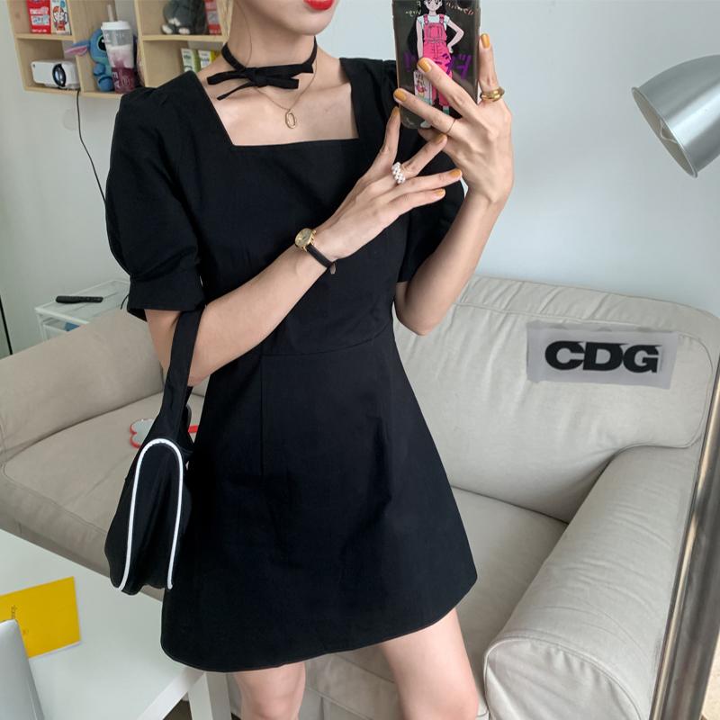 夏季2020年新款复古收腰显瘦泡泡袖连衣裙小黑裙女装夏天气质裙子