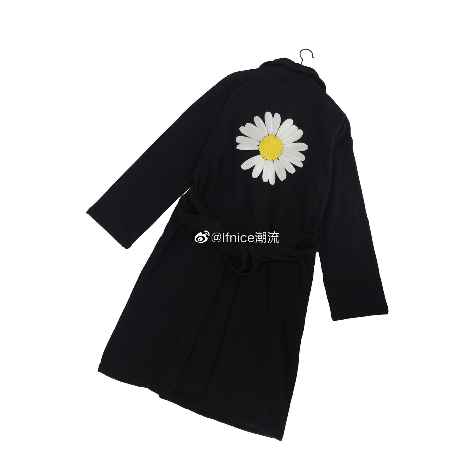 【现货】Peaceminusone PMO 限定 背后刺绣菊花 黑色 浴袍 正品