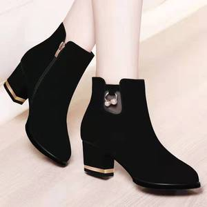 Suede short boots thick heel women's boots 2019 autumn and winter new Korean version of the wild plus velvet women's shoes in the heel naked boots