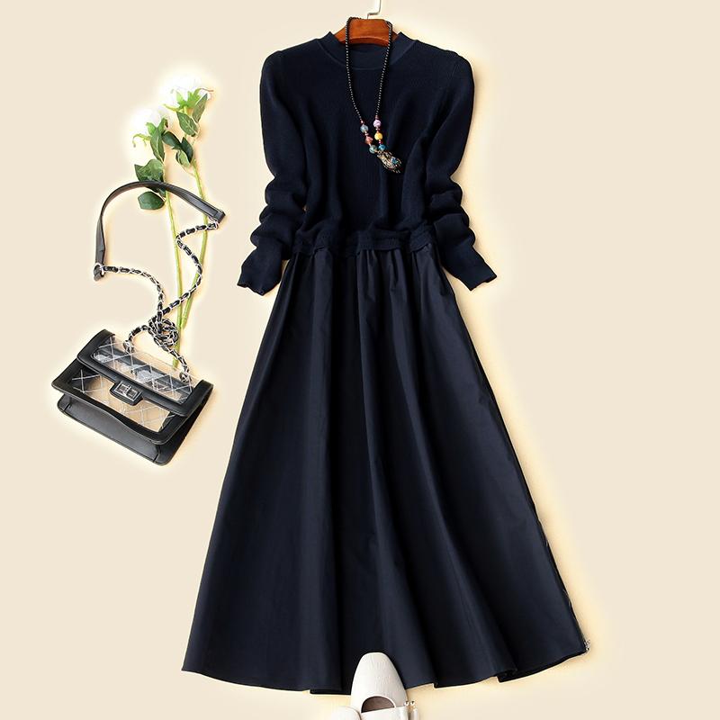 趣歌风尚 高贵经典系 侧拉链装饰 圆领长袖大摆针织连衣裙213A064
