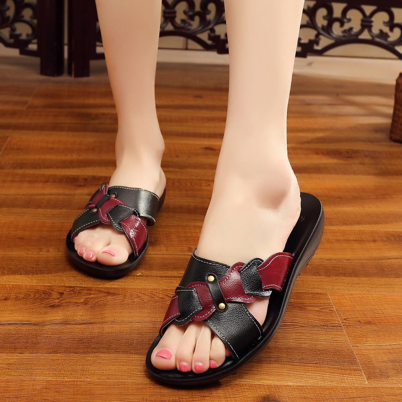 18夏季中年软皮妈妈鞋凉鞋软底中老年平跟大码平底女士防滑凉拖鞋
