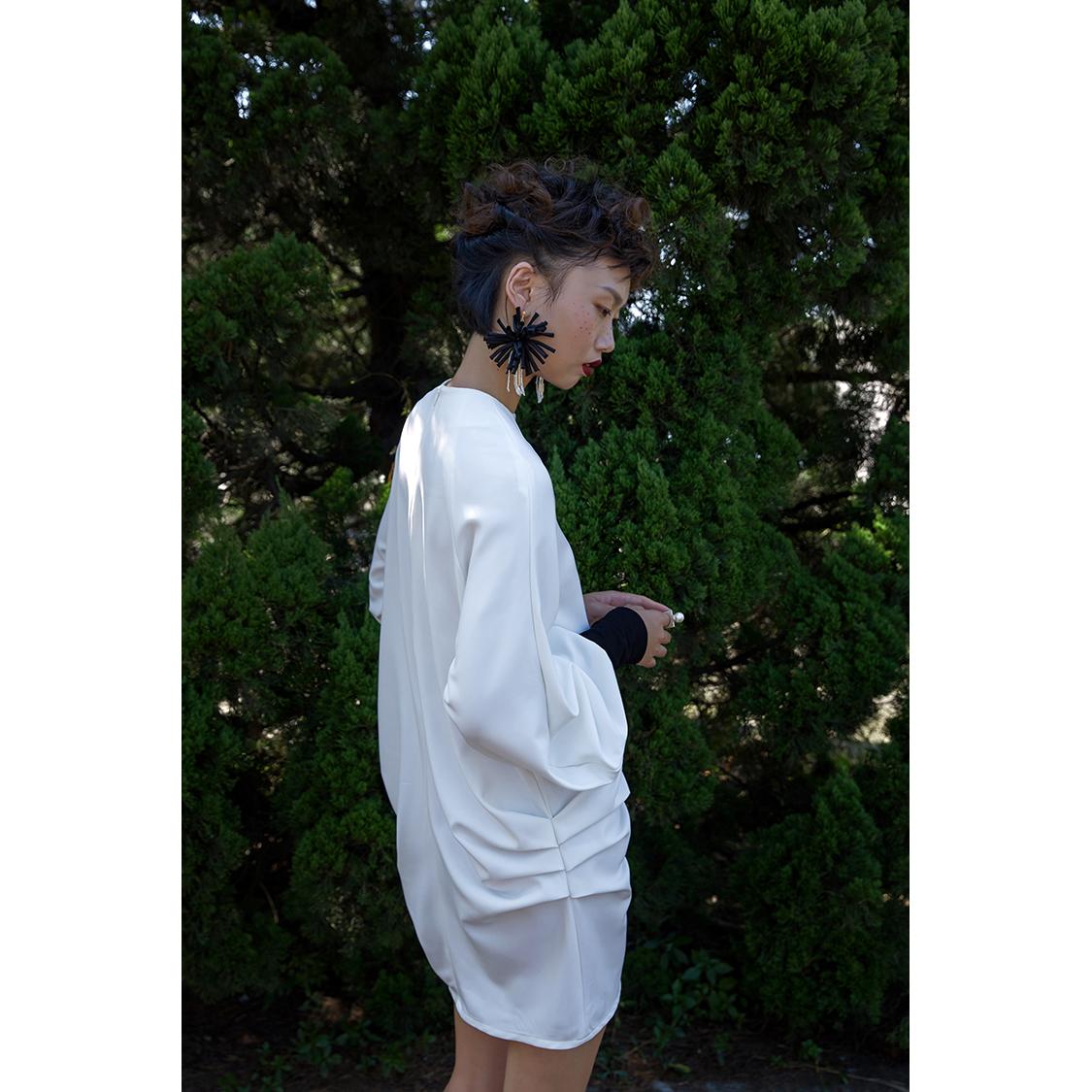 TMSstudio17FW 褶子宽松插肩大袖针织袖口设计中长上衣连衣裙
