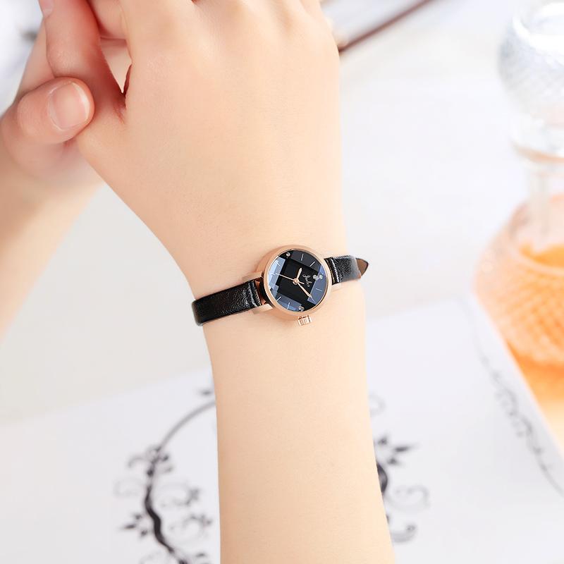 2019年新款韩版时尚女手表ins风细带小表盘简约气质防水皮带学生