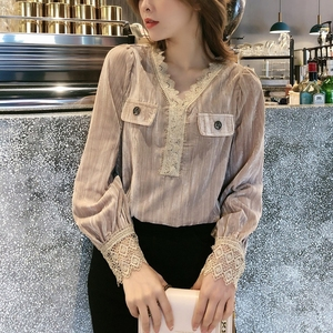 Long-sleeved shirt 2020 spring new women's fashion temperament Western style design niche gold velvet cardigan
