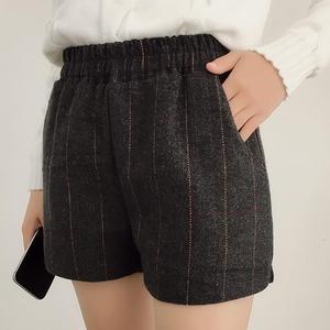 胖妹妹秋冬季松紧腰格子毛呢短裤外穿大码女装显瘦阔腿打底靴裤子