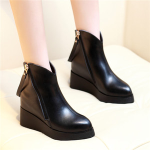 Autumn and winter women's boots with thick bottom wedges and short boots with pointed high-heeled Martin boots