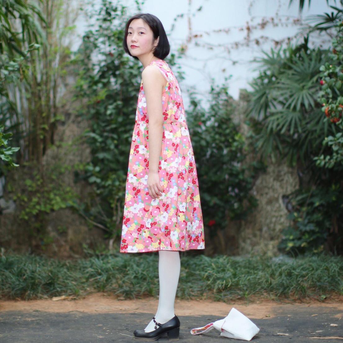 sansastore原创设计春日山茶基础款无袖连衣裙娃娃裙