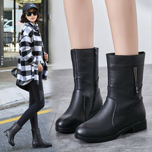 妈妈靴2021冬季真皮防滑中筒靴软id14平底女am加绒女靴子
