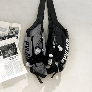 潮牌斜挎包运动男包日系小背包男士反光胸包嘻哈潮流单肩学生腰包图片