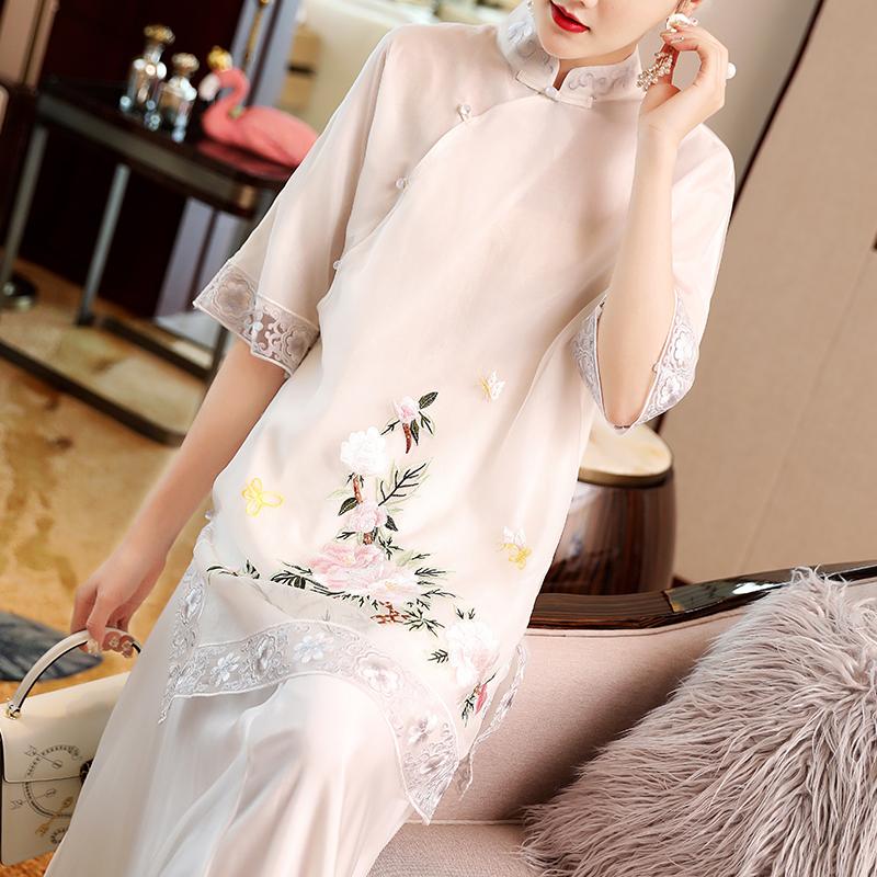 中国风女装2019春夏新款改良年轻款白色复古绣花少女盘扣中式上衣