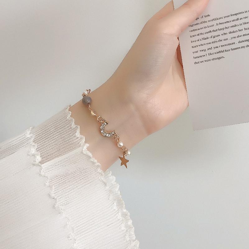 少女心手链女韩版学生个性简约风ins首饰珍珠网红潮小众设计手饰