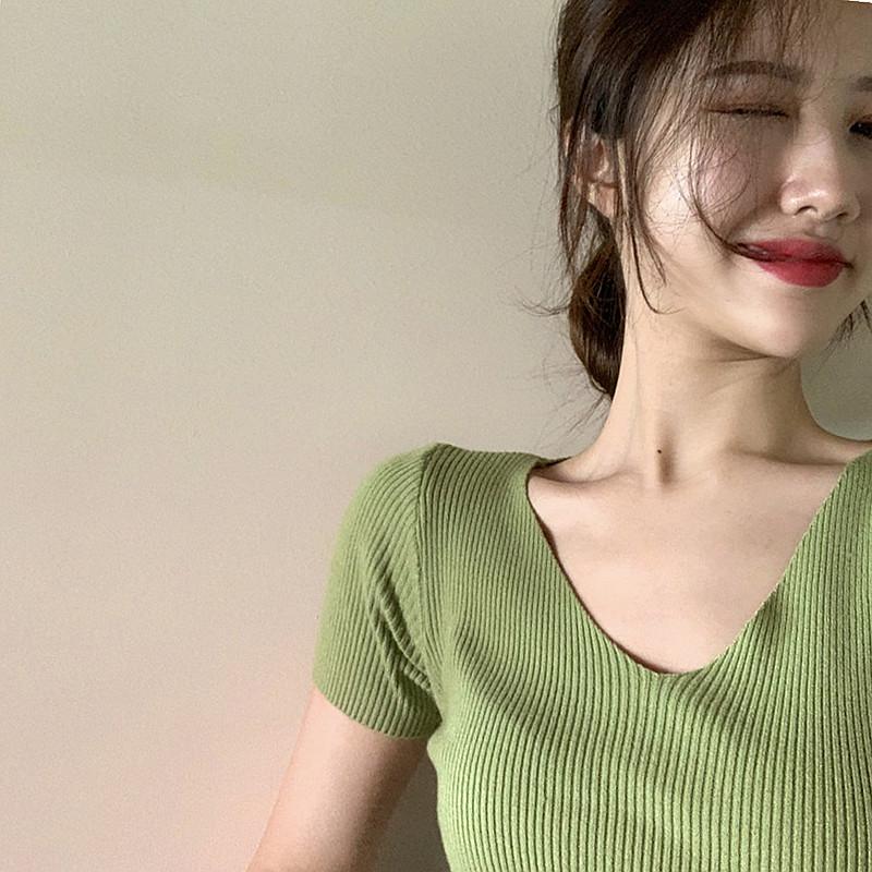 莲香妮旗舰店夏季修身v领针织衫t恤女士短款打底紧身弹力上衣满34元减15元