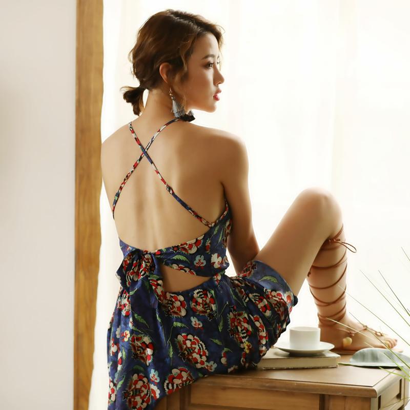 泰国巴厘岛海边度假沙滩裙女露背吊带裙连衣裙小个子夏性感短裙