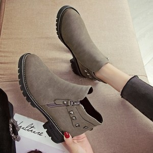 Women's small size short boots black leather shoes female winter student Martin boots plus velvet shoes women's shoes low-top popular erro