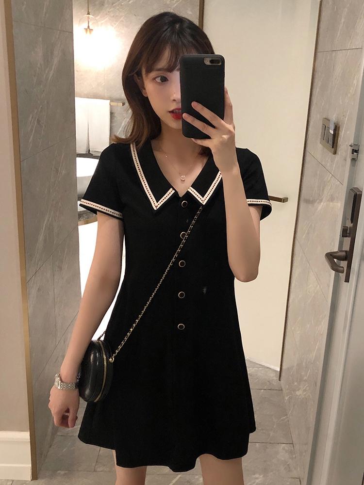 法式复古小黑裙娃娃领连衣裙女2020新款夏心机裙子显瘦收腰小个子