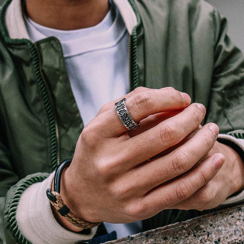 诺卡伊个性梵文戒指男霸气钛钢单身尾戒潮男食指潮人复古指环个性