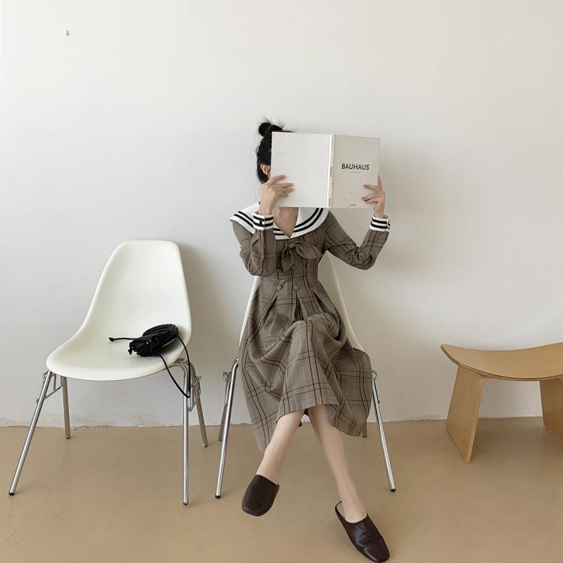 秋冬季女装2019年新法式复古长袖收腰显瘦中长款打底气质连衣裙子