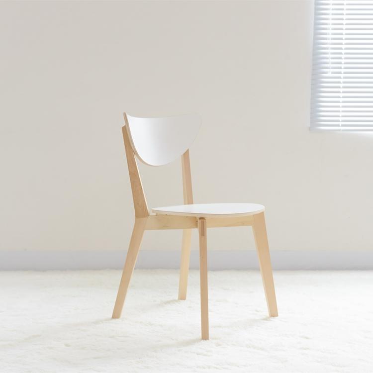 北欧实木诺米拉餐椅网红简约现代椅子宜家用办公咖啡厅白色叠放椅