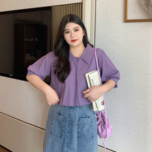 胖妹妹短袖衬ni3夏季宽松uo法款蕾丝娃娃领短款上衣大码女装
