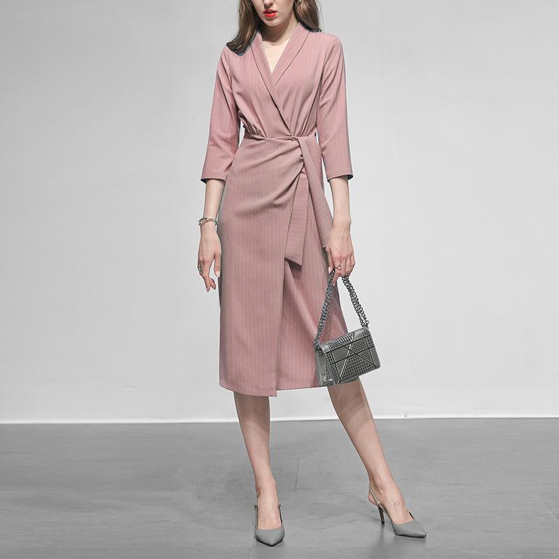 秋装2019新款女装气质收腰粉色长裙裙子性感显瘦中长款西装连衣裙