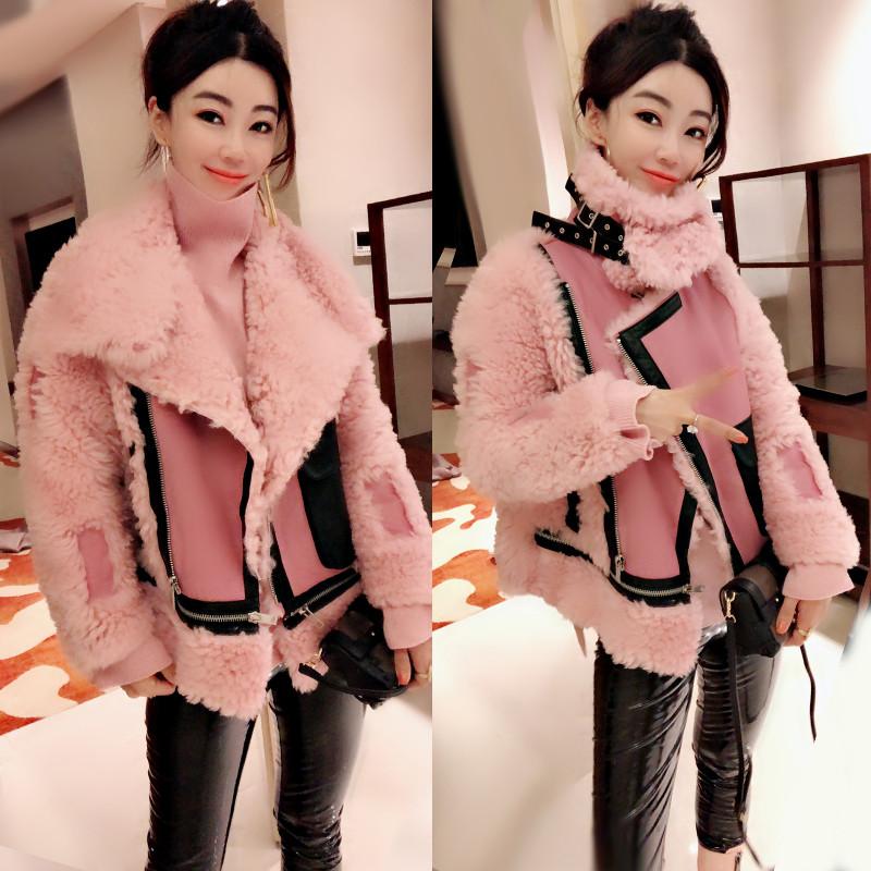 欧洲站冬装女2019新款欧货潮翻领毛茸茸呢子大衣粉色短款毛呢外套