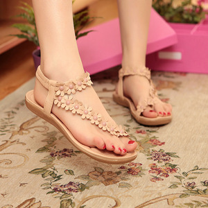 Flat-bottomed boho sandals women's shoes summer new flowers Roman clip feet toe flat heel shoes students casual
