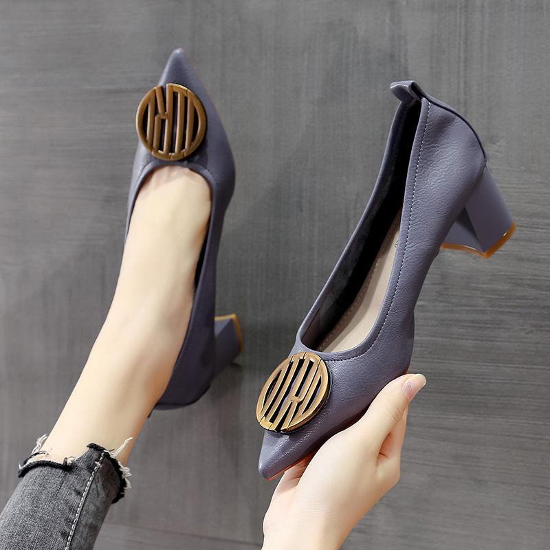 美利拉粗跟单鞋女夏百搭2020年新款法式小香风软皮浅口尖头奶奶鞋满98元减5元
