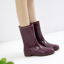 Japanese rain shoes women's middle rain boots fashion water boots two waterproof working rubber shoes and antiskid water shoes overshoes