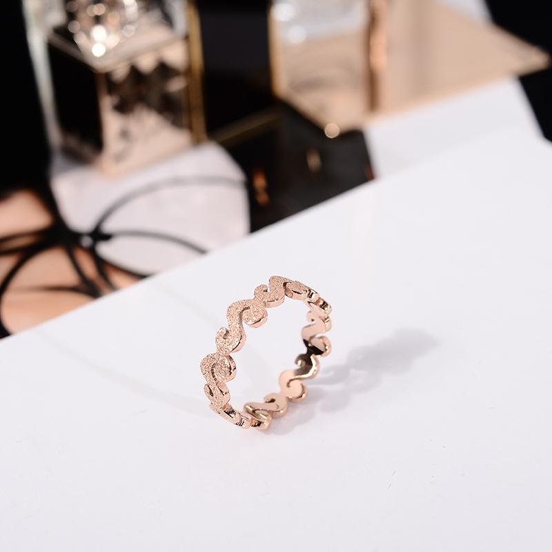 韩京韩版时尚钛钢镀18k玫瑰金磨砂戒指女小指尾戒潮人指环配饰品