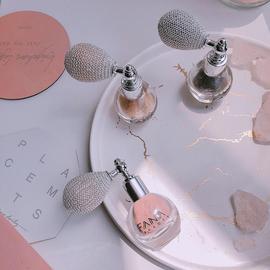 新款小灯泡眼影炫彩气囊喷粉身体香粉散蜜粉闪粉彩妆修饰轮廓
