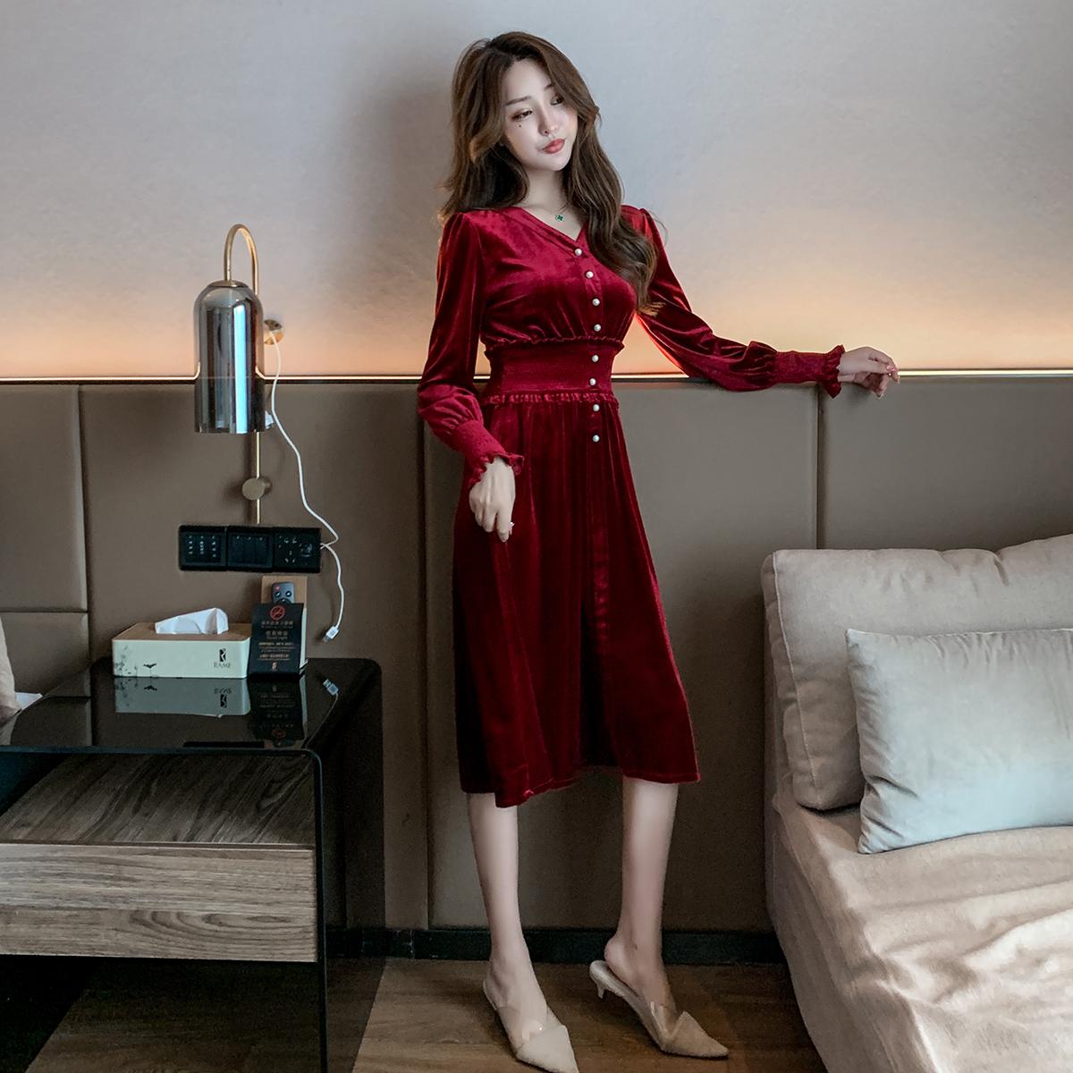 实拍现货连衣裙长袖秋冬新款女装法式收腰显瘦气质v领长裙 -