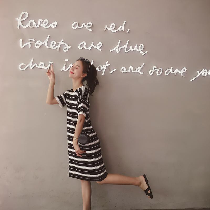 条纹 连衣裙 新款 宽松 简约 心机 刺绣 长裙