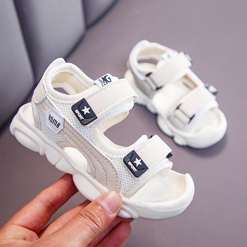 儿童小熊凉鞋软底半包头防滑女童沙滩鞋2020夏季新款小中童男童鞋