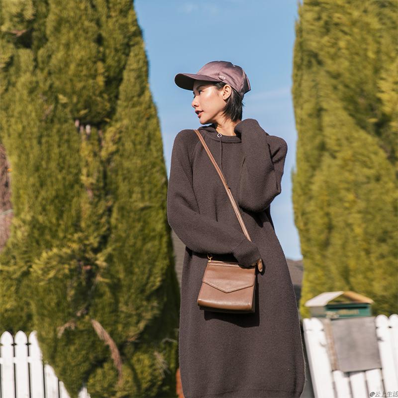 云上生活 气质文艺秋中长款毛衣裙长袖连帽针织连衣裙女L6364