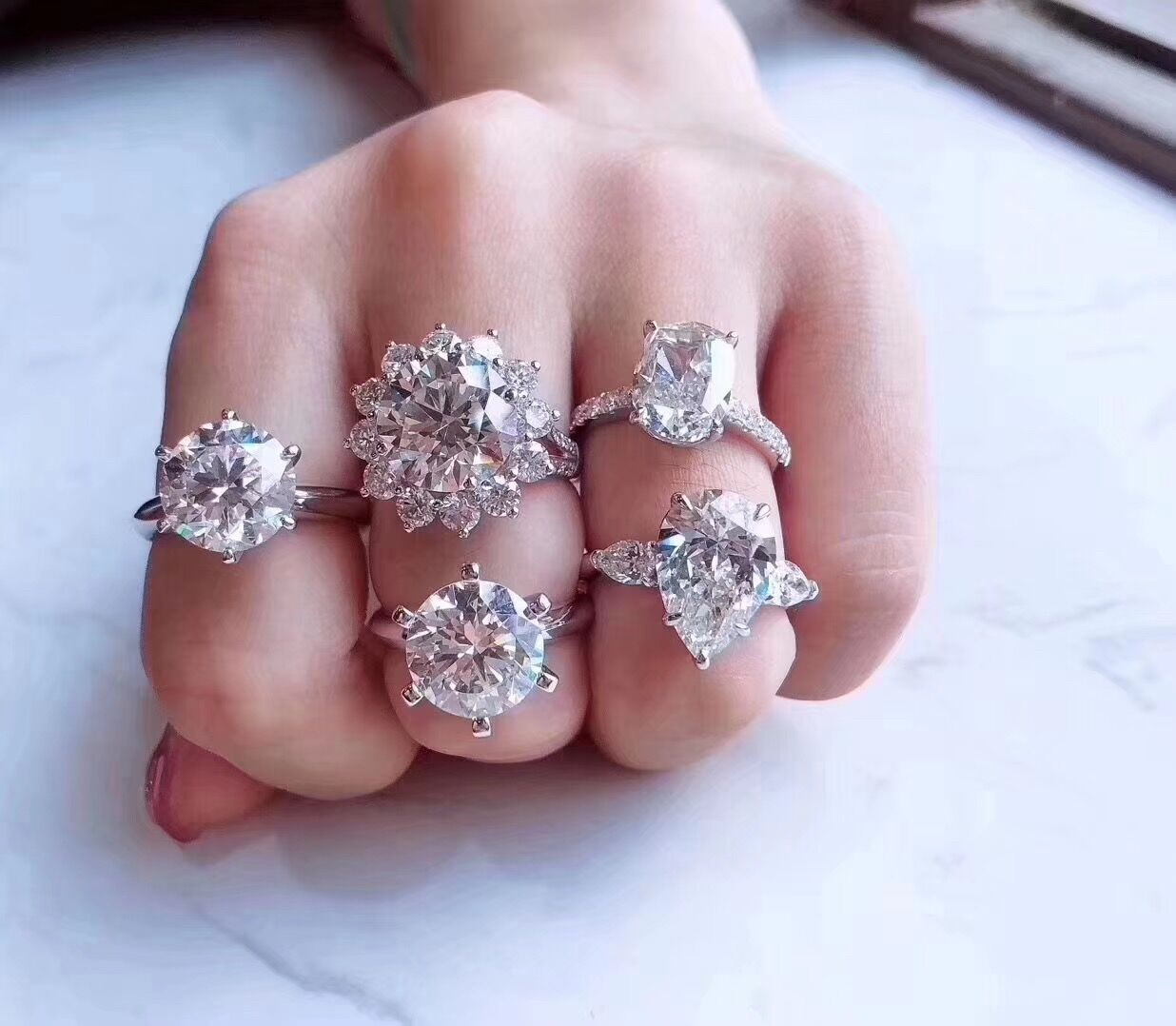 慕菲 D色莫桑18K金高端定制 男女对戒指 手链 吊坠 耳钉 定制婚戒