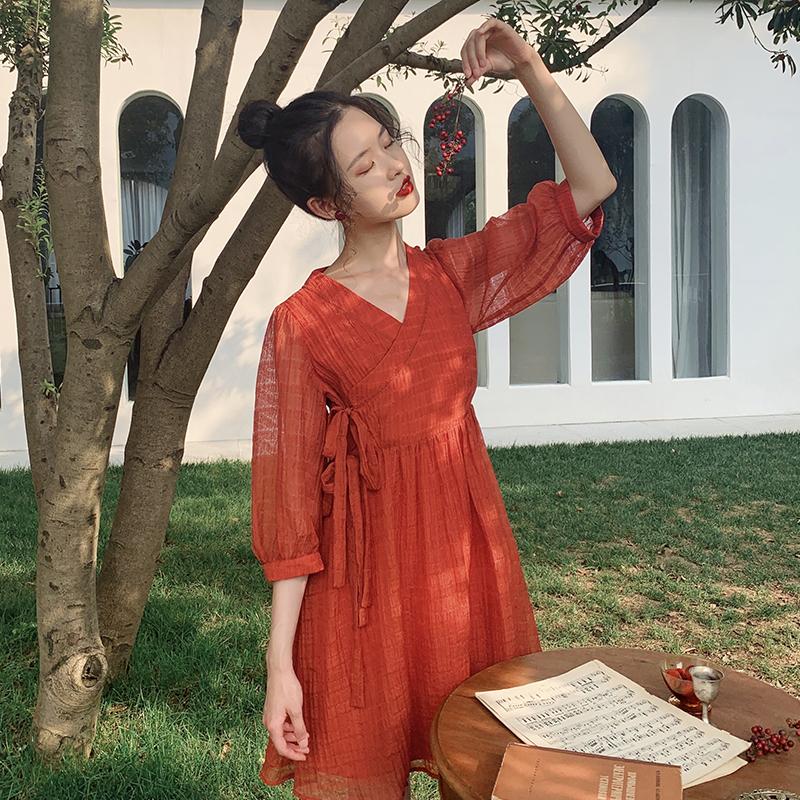 V领连衣裙女2020春夏新款