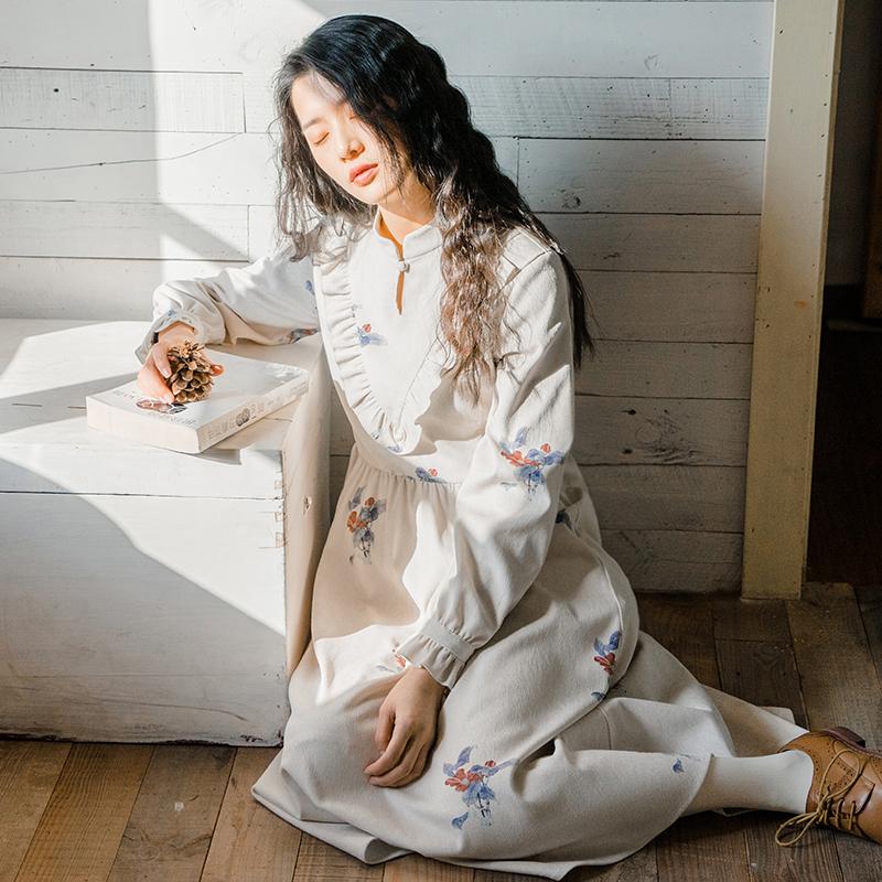 梅子熟了 文艺高腰灯芯绒连衣裙 复古喇叭袖中长裙女2018春季新款