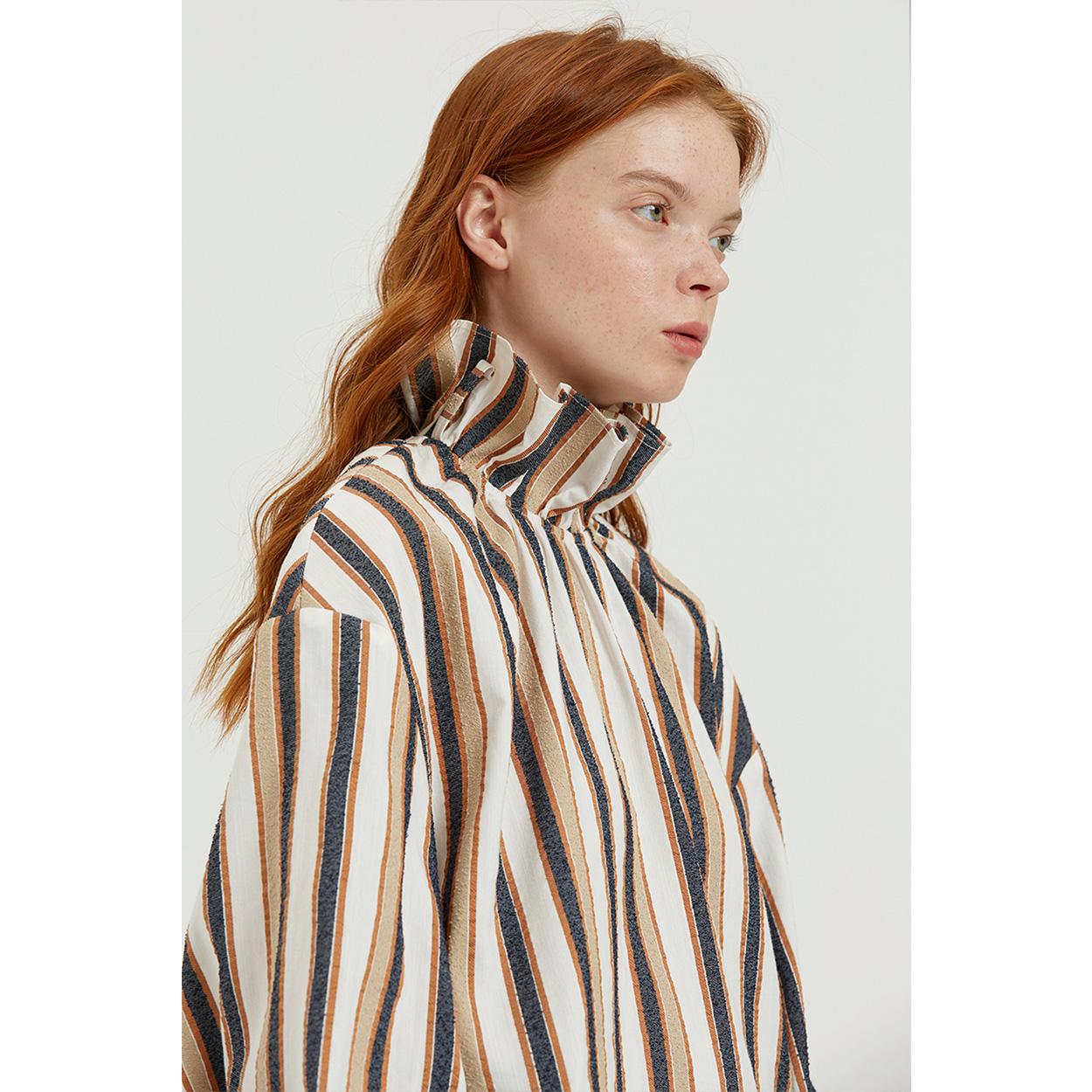 FUSSED 17AW原创独立设计师品牌 彩色条纹宫廷式缩褶高领露背上衣