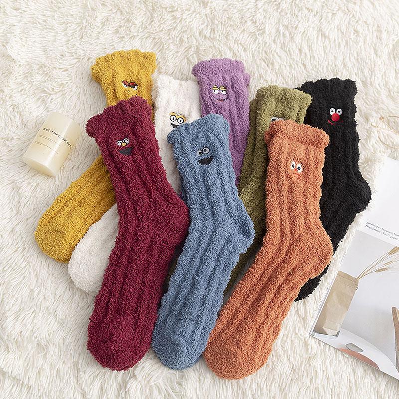 珊瑚绒袜子女睡眠袜长筒冬季毛绒加厚可爱韩国保暖成人居家地板袜