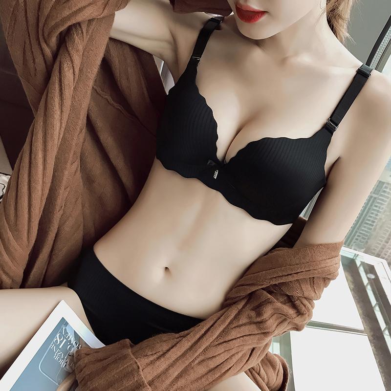 内衣女小胸聚拢平胸显大加厚杯无痕一片式胸罩舒适无钢圈文胸套装