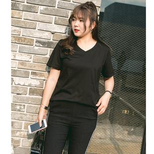 大码女装200斤微胖mm韩版显瘦纯色加肥加大短袖打底衫V领棉T恤潮图片