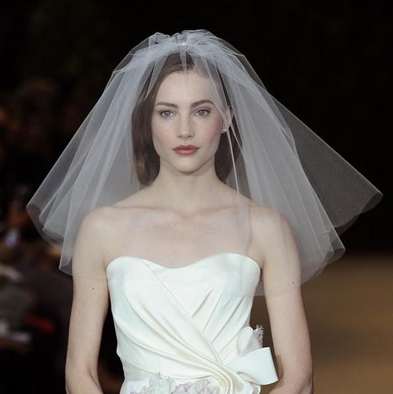 韩式婚礼婚纱蓬蓬新娘领证短款旅拍硬小头纱森系头饰配件白色头纱